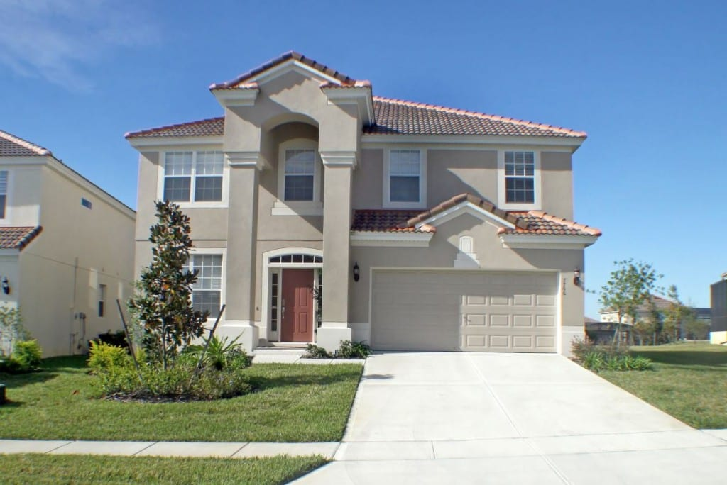 A Front Exterior of a Large Florida Home.